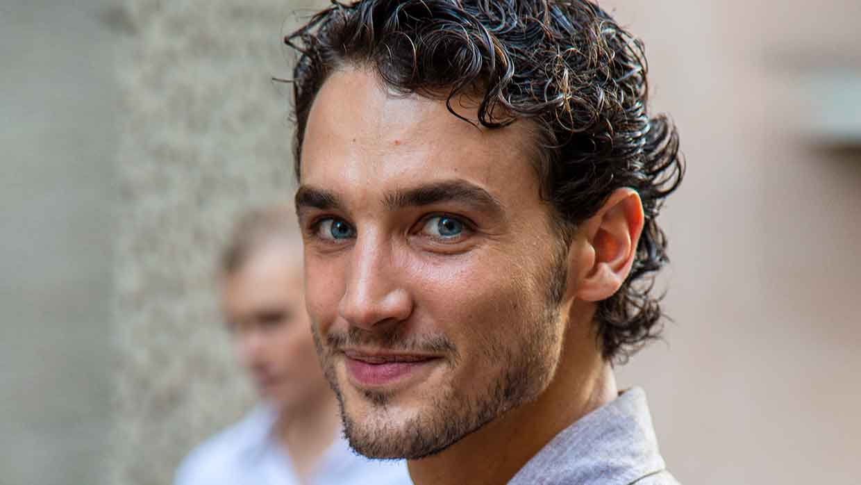 Nuove tendenze tagli di capelli uomo estate 2022. Ecco le anticipazioni dalle sfilate - Foto Charlotte Mesman