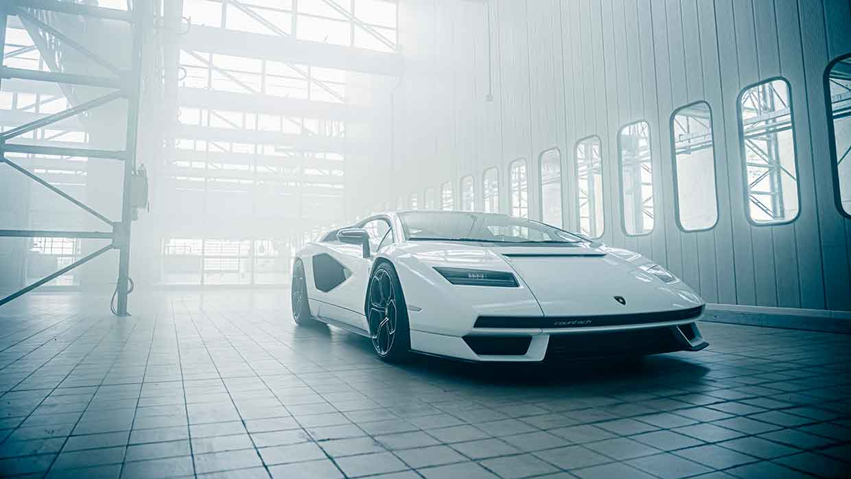 Lamborghini Countach LPI 800-4. L'icona supersportiva reinventata per una nuova era