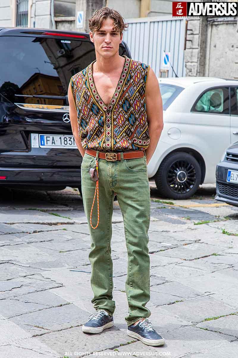 Tendenze moda uomo 2021. La Spencer è assolutamente trendy. Ecco come indossarlo - Photo Charlotte Mesman