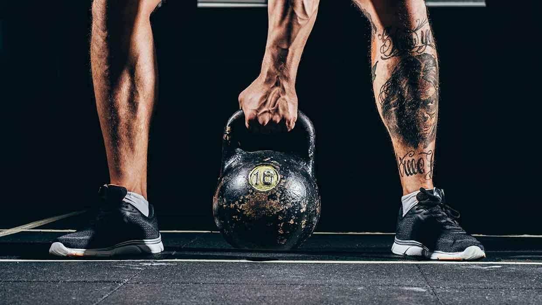 Allenarsi con un kettlebell per la massa muscolare?