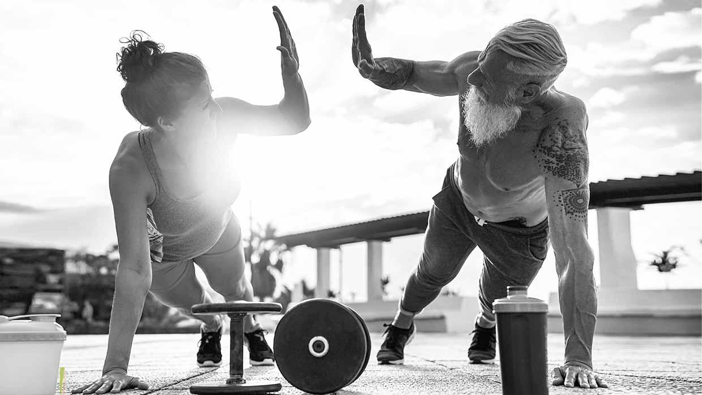 Come allenarsi, e come mangiare, quando non si è più giovanissimi. Consigli per gli allenamenti per gli over 50